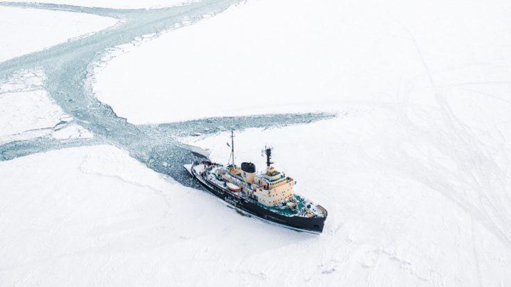 Icebreaker Sampo in action in Kemi